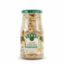 Sliced sterilized champignons