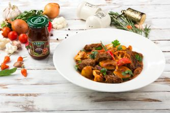 Stewed spicy veal with vegetables