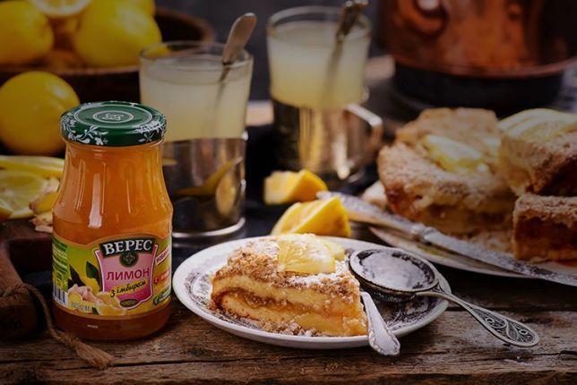 Pie with Lemon and Ginger Confiture